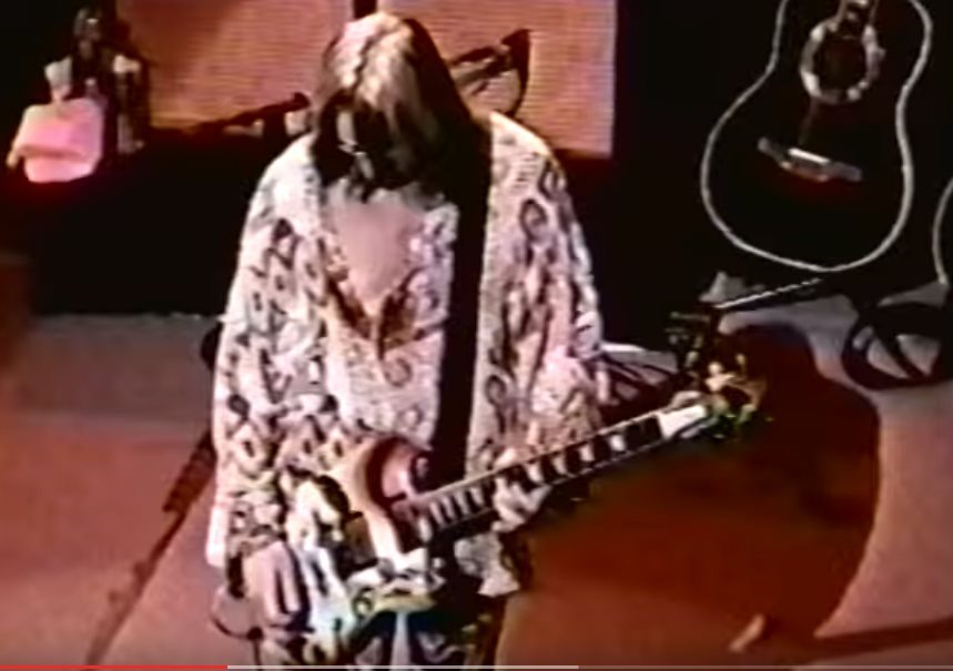 Todd Rungdren playing Clapton's SG during a gig with Jack Bruce and Ringo Starr in 1999. Source: YouTube