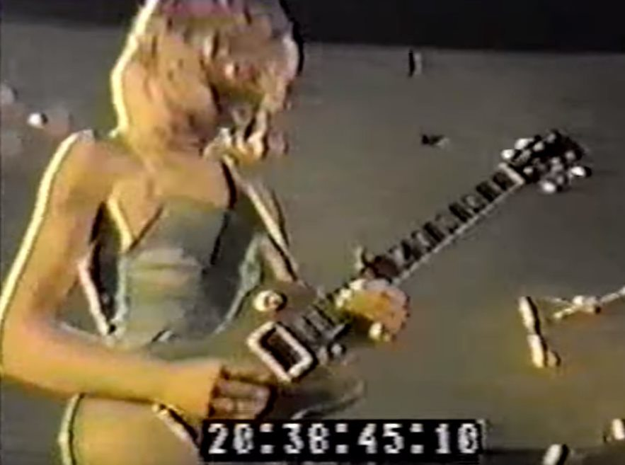 Duane playing what seems to be the Tommy Compton Goldtop at the Love Valley Pop Festival in 1970. Image source: YouTube