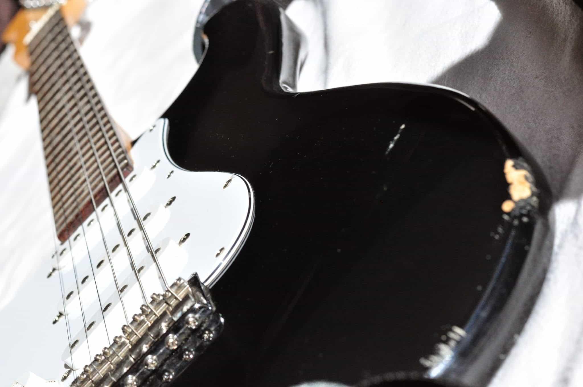 Kurt Cobain MIM Fender Stratocaster 2