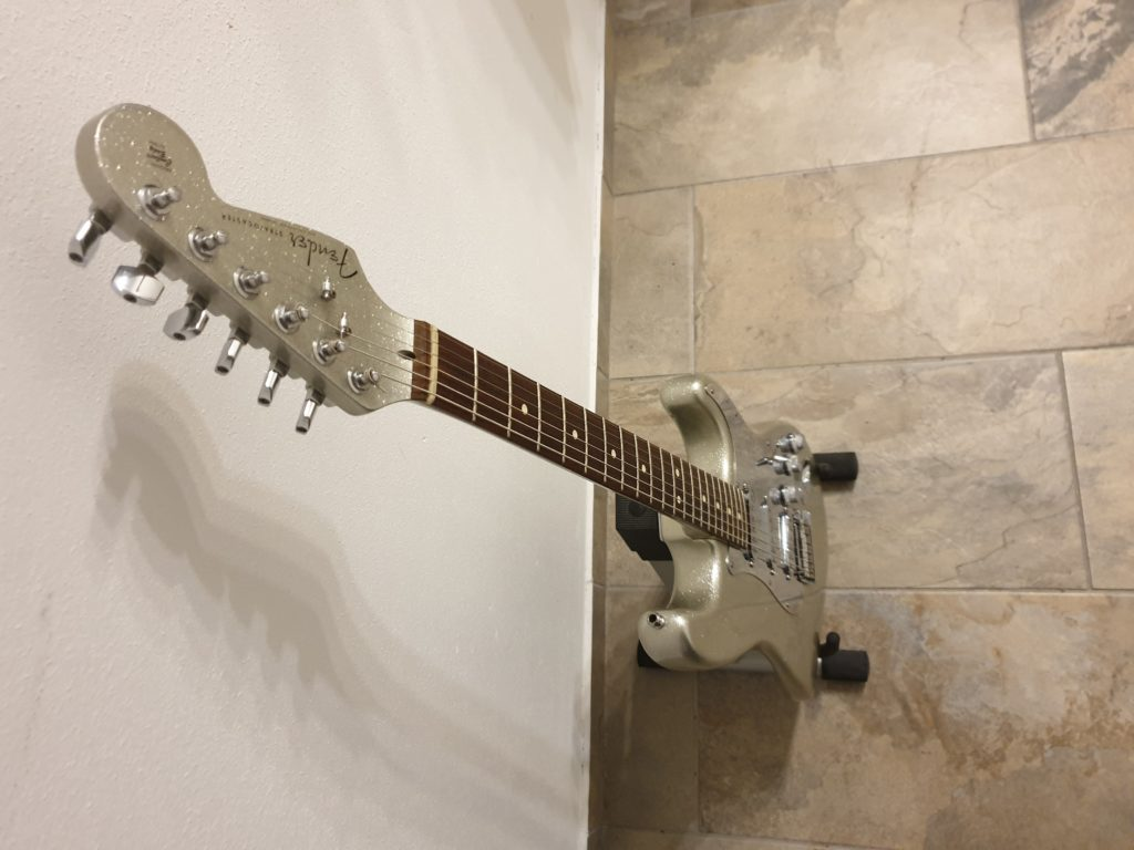 """John Frusciante's Silver Stratocaster, as seen in """"Can't Stop"""" music video."""